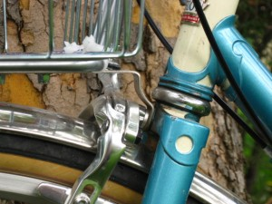 Nitto M18 rack fork brake bolt attachment