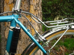 Nitto R10 Bag Supporter mounted to seatpost and seat stays